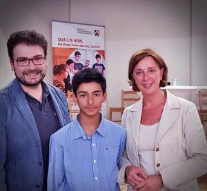 Großer Erfolg – Schulministerin Yvonne Gebauer überreicht die Deutschen Sprachdiplome der Albert-Schweitzer-Schule