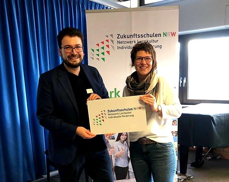 """You are currently viewing Die Albert-Schweitzer-Realschule erhält den Titel """"Zukunftsschule NRW""""!!"""