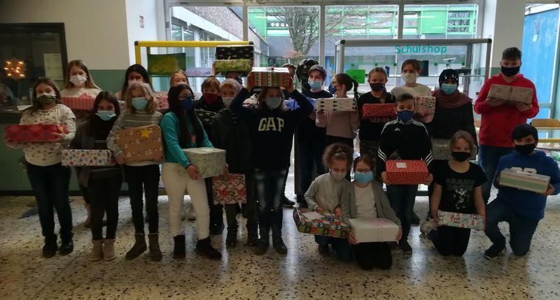 You are currently viewing Weihnachten im Schuhkarton: vielen Dank allen fleißigen Helfern und großzügigen Spendern !!