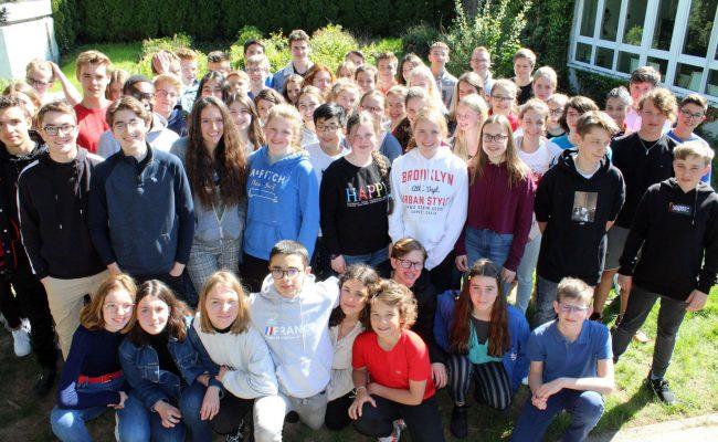 K1600_groupe des francais